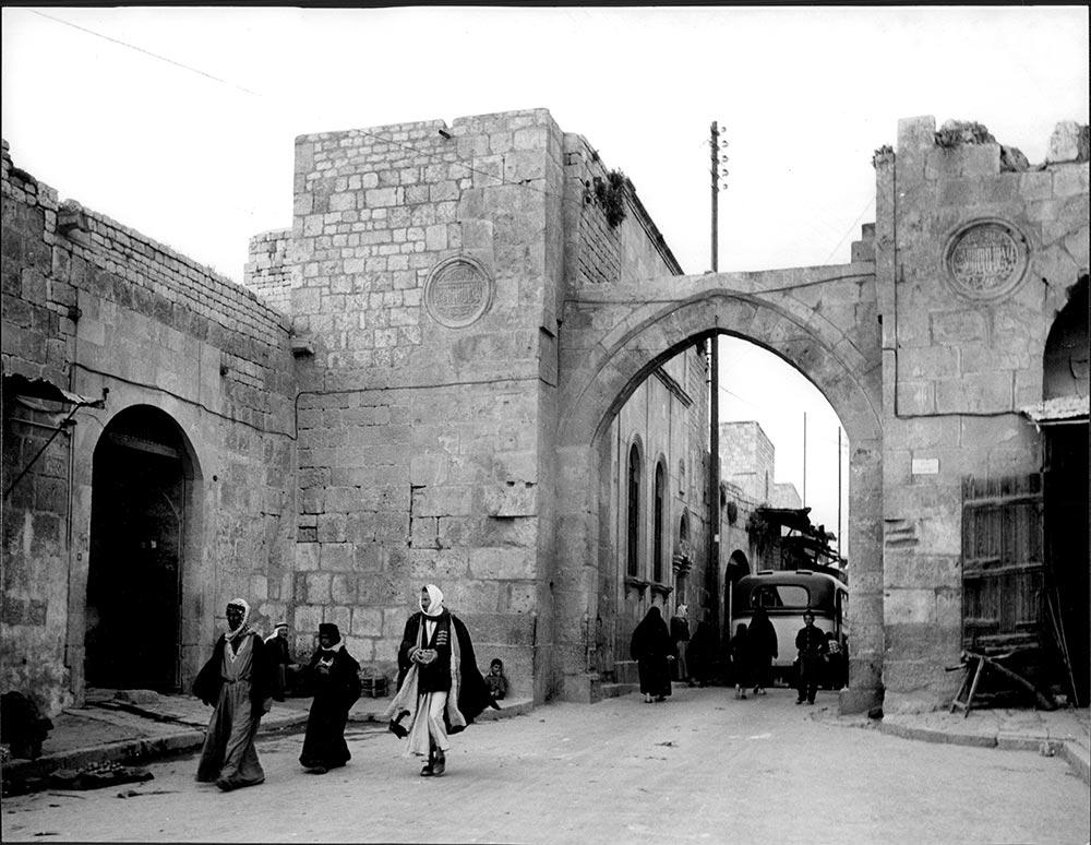 Aleppo – Stadttor Maqam (Bab al-Maqam), 1960. Courtesy und © Estate Yvonne v. Schweinitz, Berlin. Foto: Yvonne v. Schweinitz