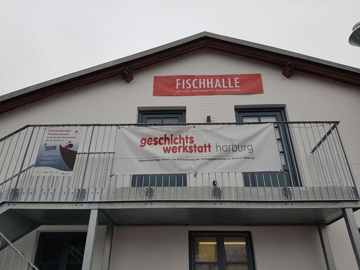 Denkmalpreisverleihung vom Museumsverein Harburg an die ehemalige Fischhalle Harburg im Harburger Binnenhafen