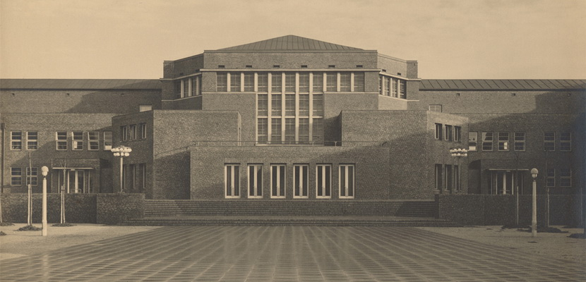 History Showcase: New Building in Harburg in the 1920s – Reflection of the Bauhaus? – A Tracing
