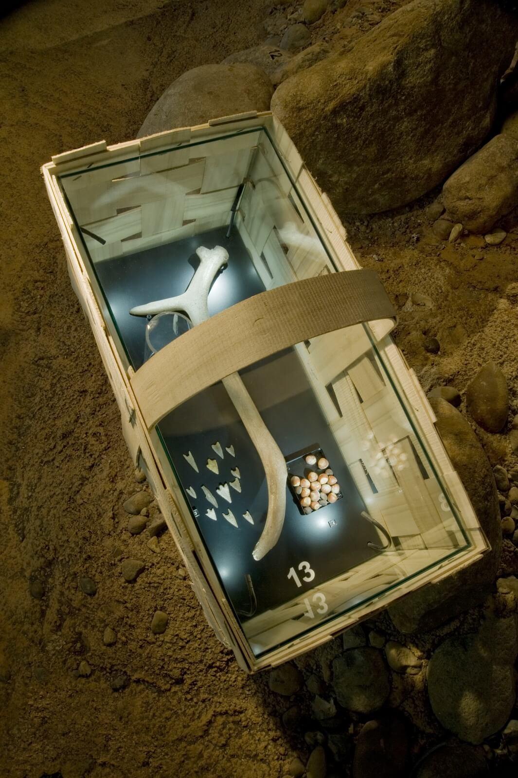 Installation Korb, Archäologisches Museum Hamburg