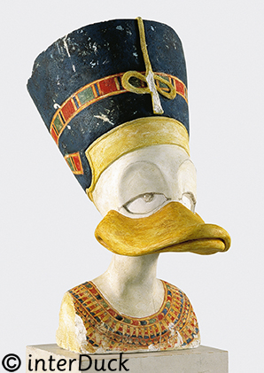 """Duckfretete Sonderausstellung """"Duckomenta"""" im Archäologischen Museum Hamburg"""