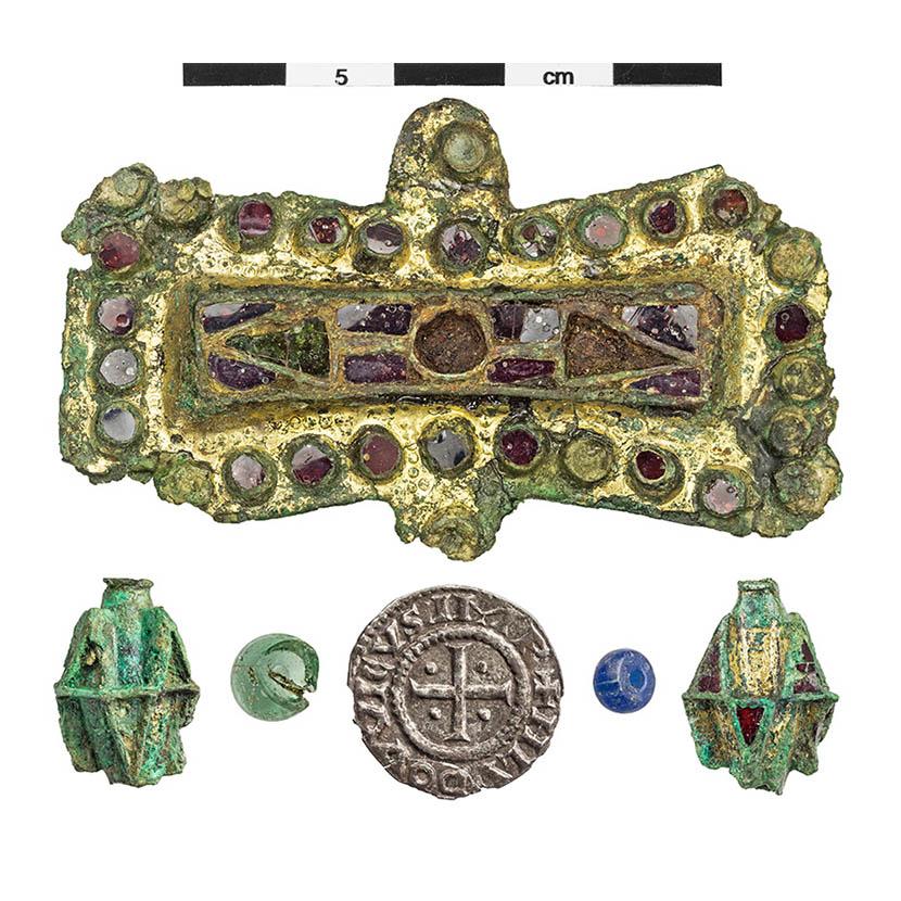 Fund des Monats: Fibeln und Münzen aus Elstorf