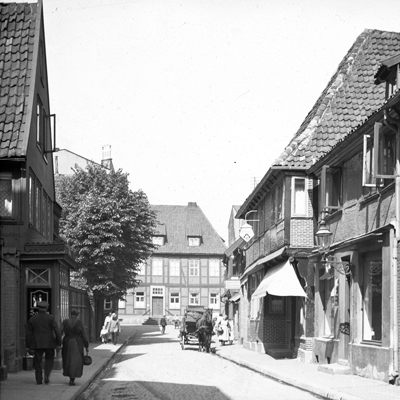 Freshly developed – Harburg in early photographs